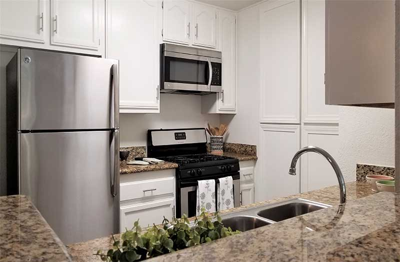 Paramount Terrace Apartments renovated kitchen